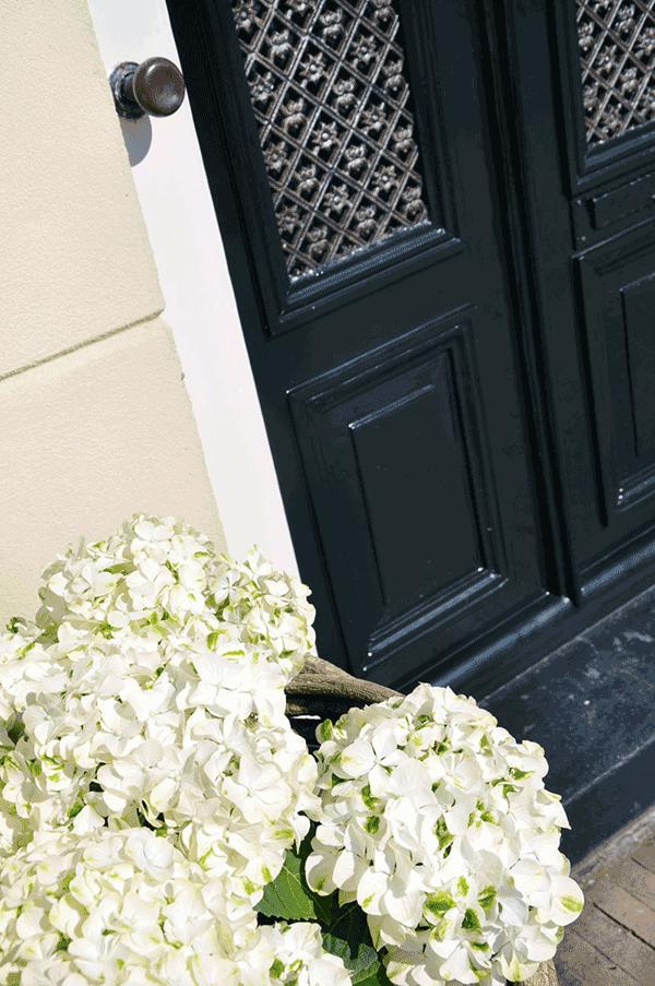 Voordeur geschilderd met Perkoleum Koopmansverfshop